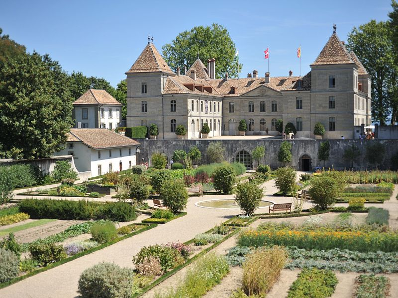 LUNCH AT THE CHATEAU DE PRANGINS - British Residents ...