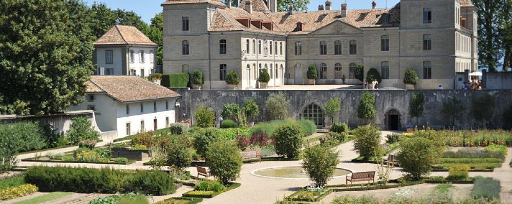 AN INFORMAL LUNCH AT THE CHATEAU DE PRANGINS